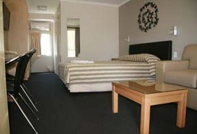 Queensgate Motel - Accommodation Gold Coast