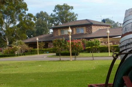 Carriage House Motor Inn - Accommodation Gold Coast
