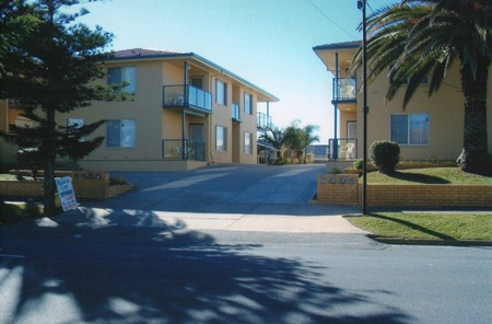 AA Madalena Court Holiday Apartments - Accommodation Gold Coast