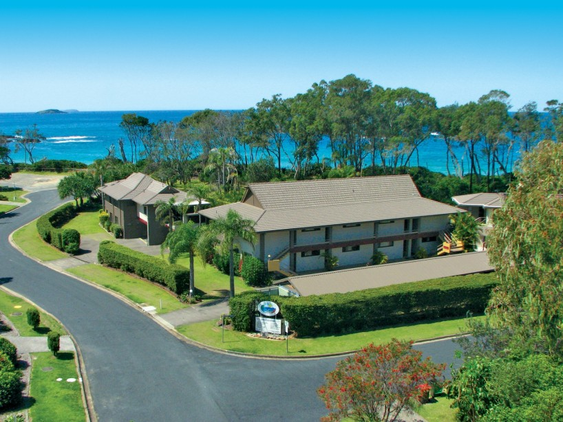 Absolute Beachfront Smugglers on the Beach - Accommodation Gold Coast