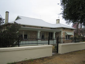 Naracoorte Cottages - MacDonnell House - Accommodation Gold Coast