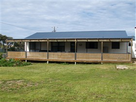 Surfin Sceales Beach House - Accommodation Gold Coast