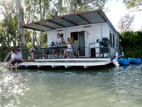 The Murray Dream Self Contained Moored Houseboat - Accommodation Gold Coast