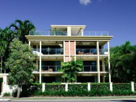 Cairns Beachfront Apartment - Accommodation Gold Coast