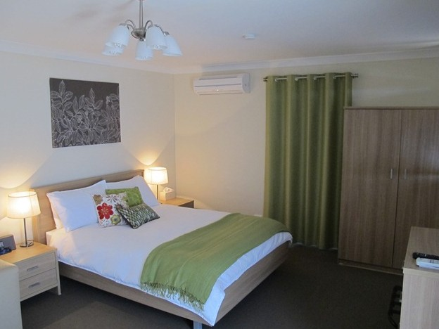 West Wing Guest House - Accommodation Gold Coast