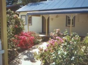 AppleBlossom Cottage - Accommodation Gold Coast