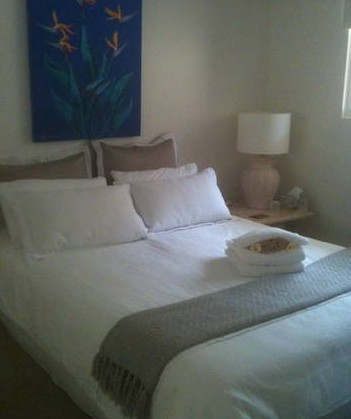 Absolute Beachfront Manly Bed and Breakfast - Accommodation Gold Coast