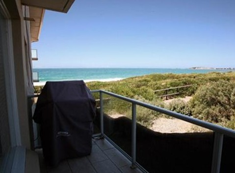 Beachfront Narrabeen - Accommodation Gold Coast