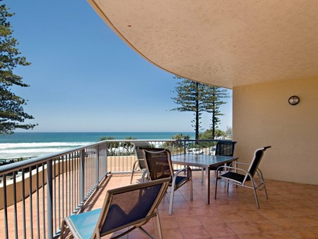 Coolum Baywatch Resort - Accommodation Gold Coast