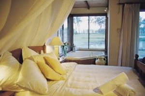 Lake Weyba Cottages - Accommodation Gold Coast