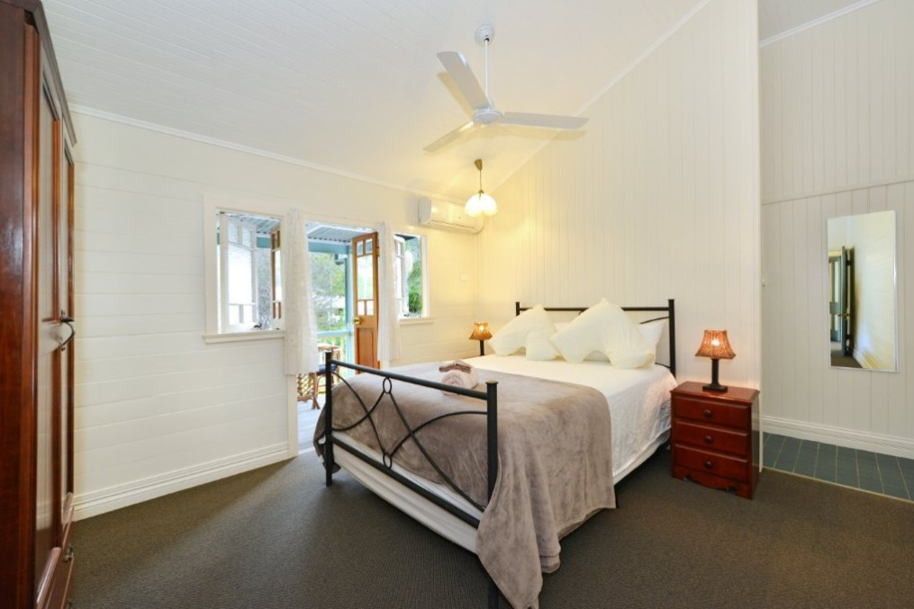 Lilybank - Accommodation Gold Coast