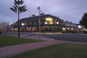 Grand Tasman Hotel - Accommodation Gold Coast