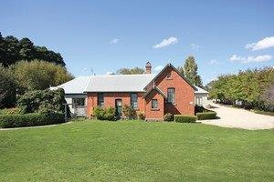 Woodend Old School House Bed and Breakfast - Accommodation Gold Coast