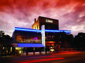 Chalk Hotel - Accommodation Gold Coast