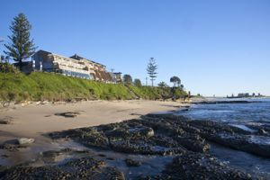 Oceanfront Motel - Accommodation Gold Coast