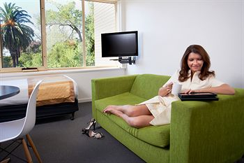 City Edge Serviced Apartments East Melbourne - Accommodation Gold Coast