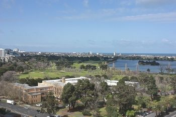 Apartments Melbourne Domain - South Melbourne - Accommodation Gold Coast