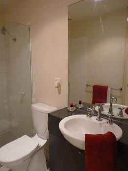 Australian Home Away  Market Square Melbourne - Accommodation Gold Coast