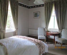 Cygnet's Secret Garden - Boutique Bed and Breakfast - Accommodation Gold Coast