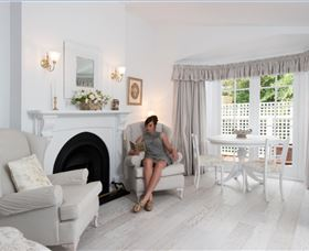 White Dove Cottage Bed and Breakfast - Accommodation Gold Coast