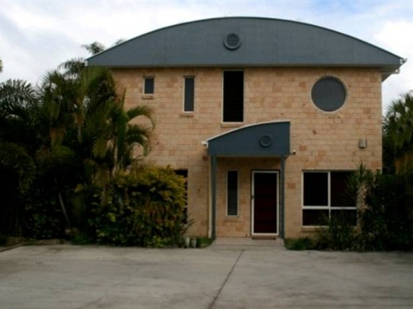 Beach House Redcliffe - Accommodation Gold Coast