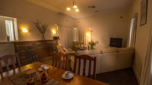 Benson House and Benson Lodge - Accommodation Gold Coast