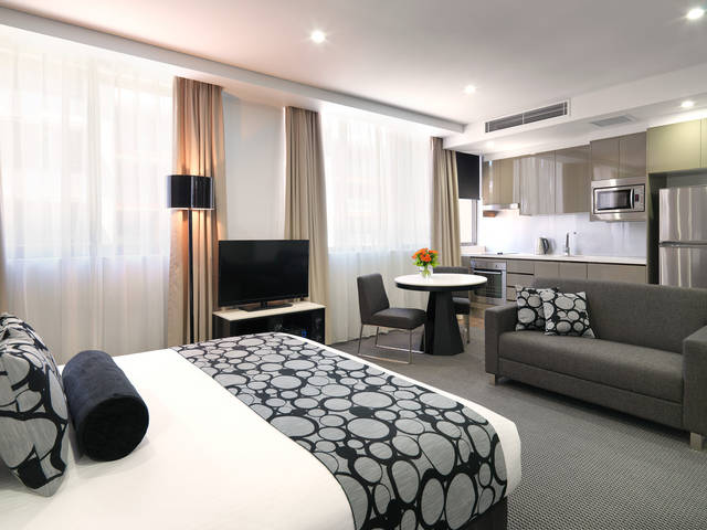 Meriton Serviced Apartments - North Ryde - Accommodation Gold Coast