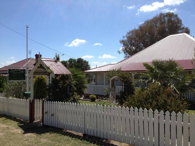 Tenterfield Luxury Historic c1895 Cottage - Accommodation Gold Coast