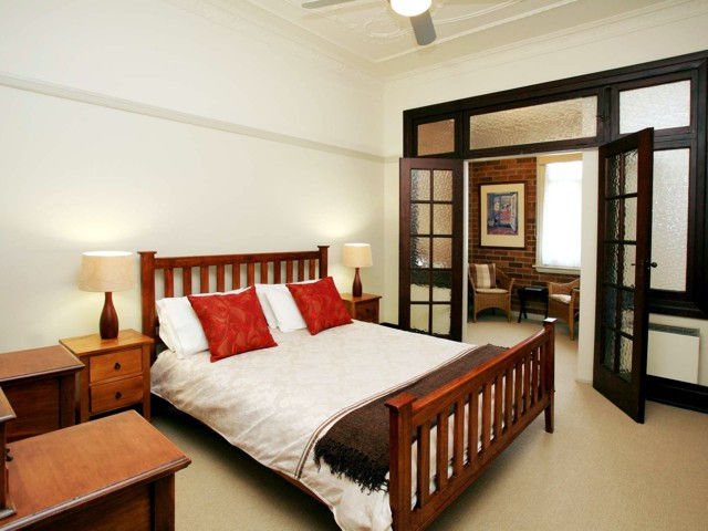 The Bank Guesthouse - Accommodation Gold Coast