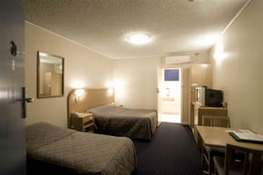 Dorset Gardens Hotel - Accommodation Gold Coast