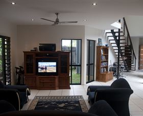 Dolphin Beach House - Accommodation Gold Coast