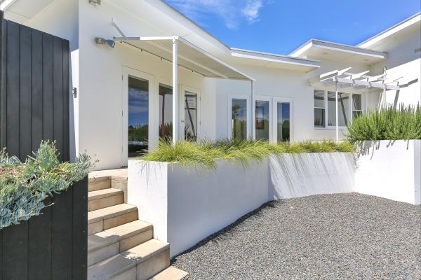 Barossa White House: The West Wing - Accommodation Gold Coast