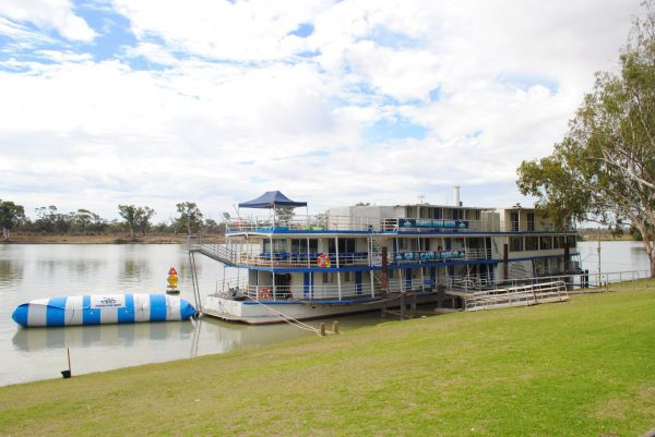 Murray River Queen Backpackers - Accommodation Gold Coast