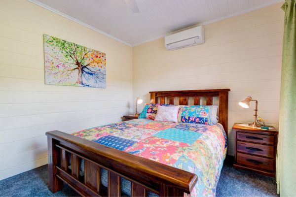 All About Me Bed And Breakfast - Accommodation Gold Coast