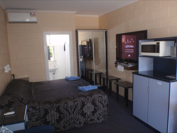 Murray Bridge Central Olympic Motel And Cottages - Accommodation Gold Coast