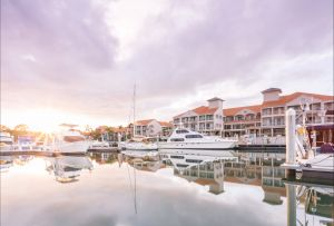 Ramada by Wyndham Hope Harbour - Accommodation Gold Coast