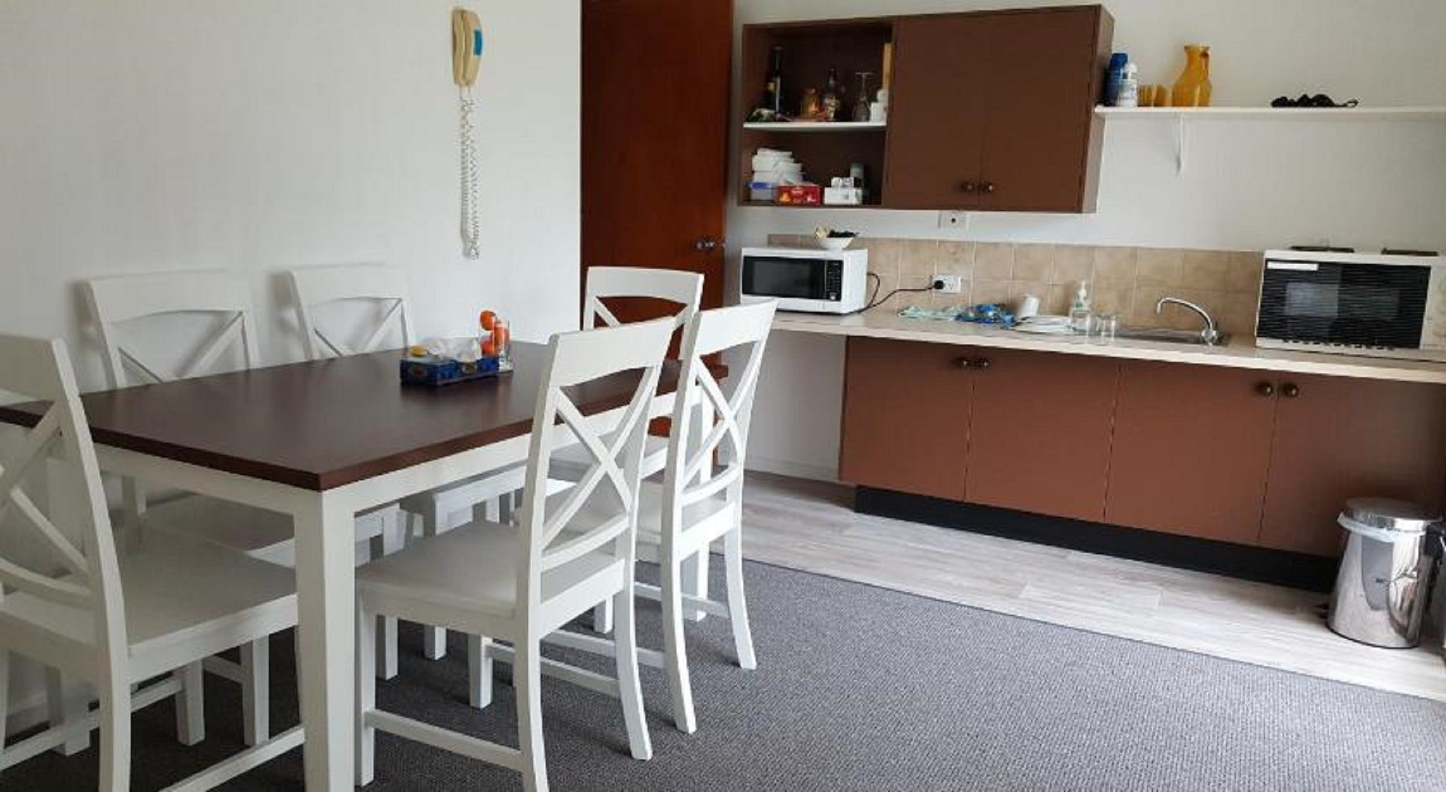 Tabourie Lake Motor Inn - Accommodation Gold Coast