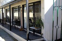 Courtside Cottage Bed and Breakfast - Accommodation Gold Coast