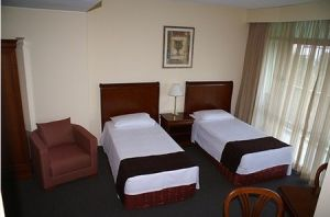 Metro Hotel Tower Mill - Accommodation Gold Coast