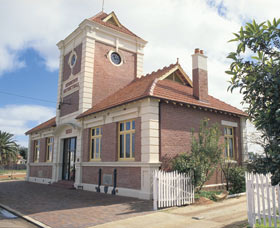 Merredin Town Hall - Accommodation Gold Coast