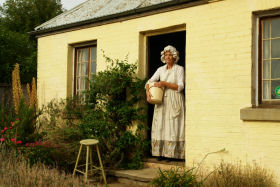 Grannie Rhodes' Cottage - Turn The Key Of Time - Accommodation Gold Coast