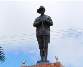 Charters Towers Memorial Cenotaph - Accommodation Gold Coast