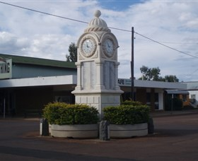 Barcaldine War Memorial Clock - Accommodation Gold Coast