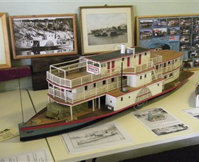 Wentworth Model Paddlesteamer Display - Accommodation Gold Coast