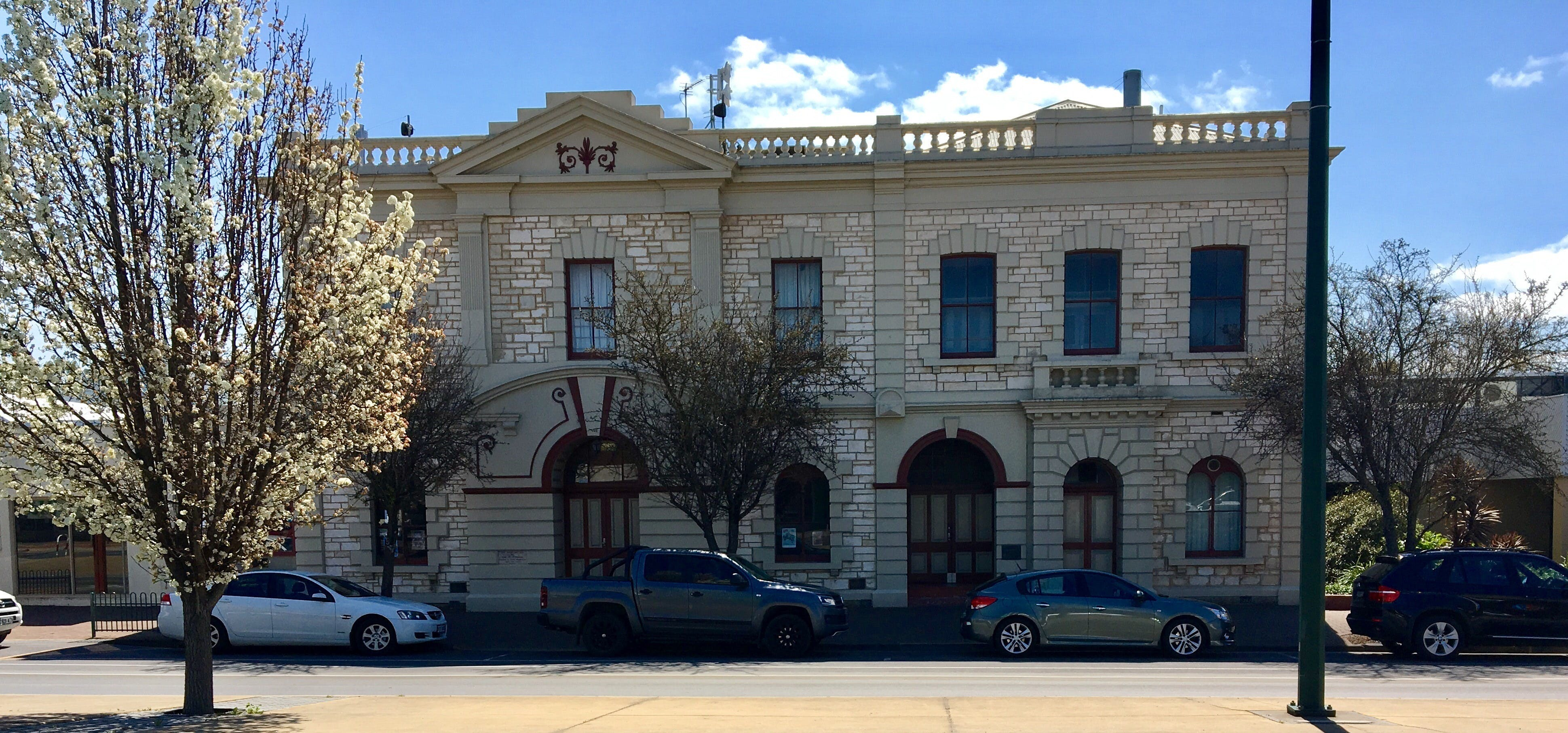 Naracoorte Town Hall - Accommodation Gold Coast