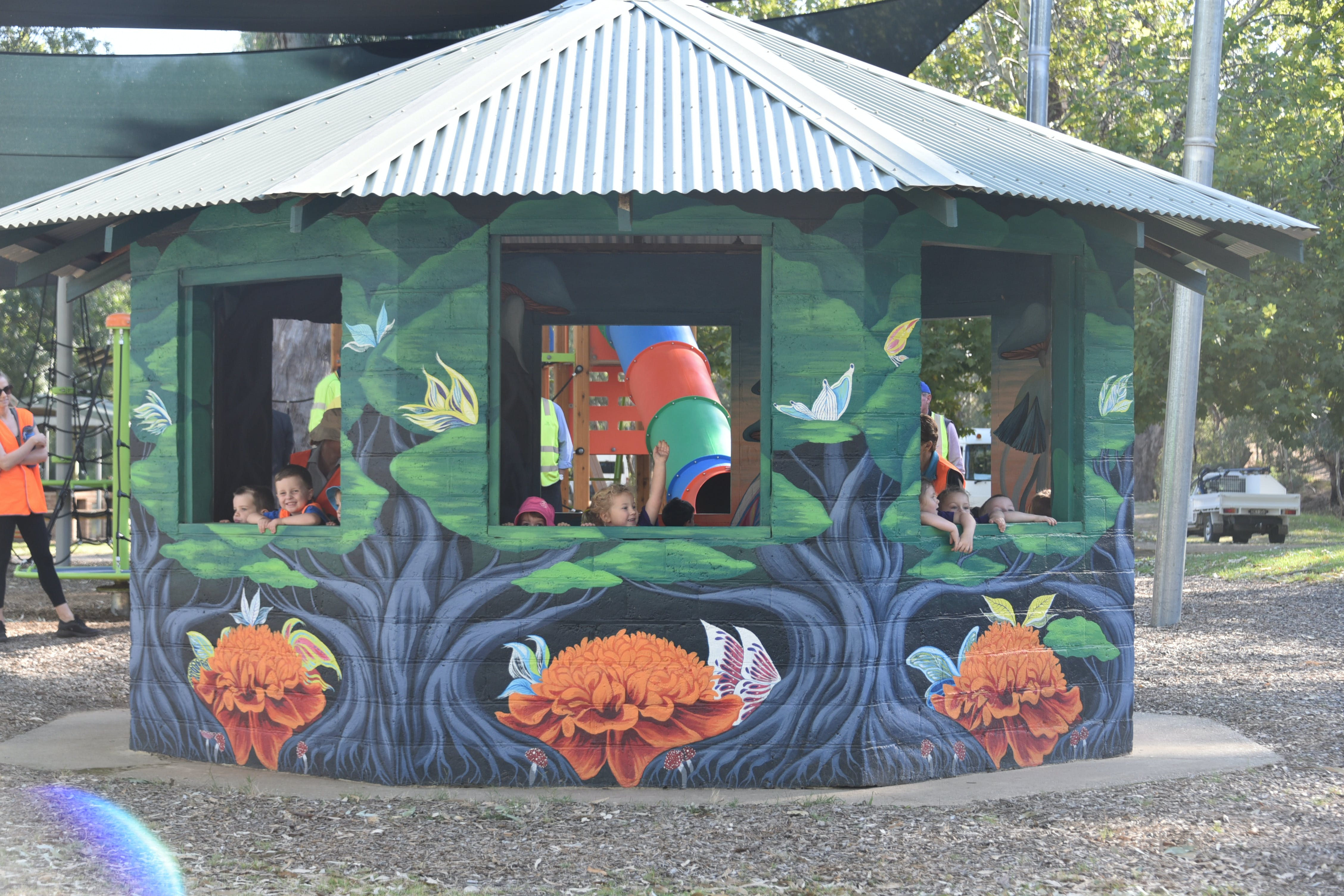 Howlong's Enchanted Hut - Accommodation Gold Coast