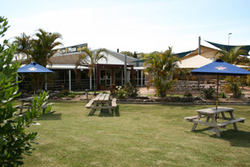 Moonee Beach Tavern - Accommodation Gold Coast