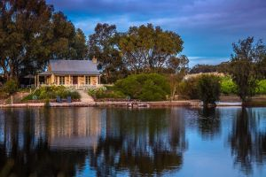 Stonewell Cottages and Vineyards - Accommodation Gold Coast