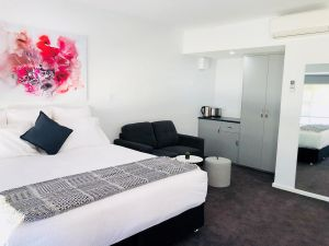 The Avenue Inn - Accommodation Gold Coast