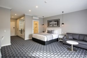 CH Boutique Hotel - Accommodation Gold Coast